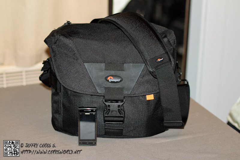 review_LoweproD400AW_02.jpg